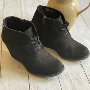Shoes - Wedge heel ankle boots. Black Suede.    Sz: 6